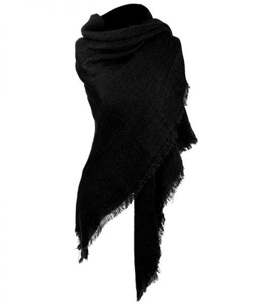 Effen-omslagdoek-zwart-kopen-bij-Sjaalskopen-grote-omslagdoek-gedragen