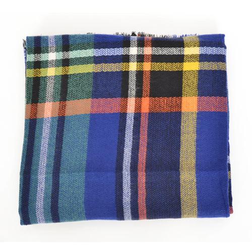 Geruite-Omslagdoek-Blauw-kopen-bij-Sjaalskopen.nl-wollen-omslagdoek-checkered-ruitjes-sjaals-vooraanzicht-opgevouwen