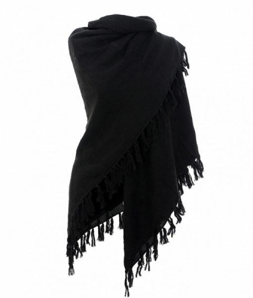 Geweven-omslagdoek-zwart-kopen-bij-sjaals-kopen-warme-en-stijlvolle-omslagdoek-aanzicht