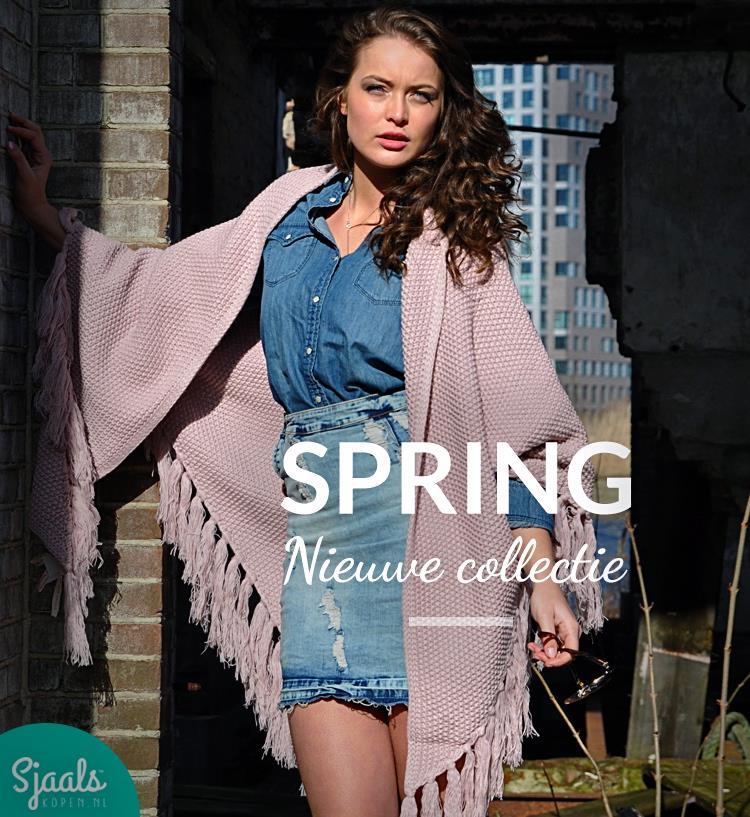 Shoot-Ibiza-omslagdoeken-voorjaarscollectie-Sjaalskopen.nl-door-Sudio-Neon-met-model-Willemijn-Hebly-