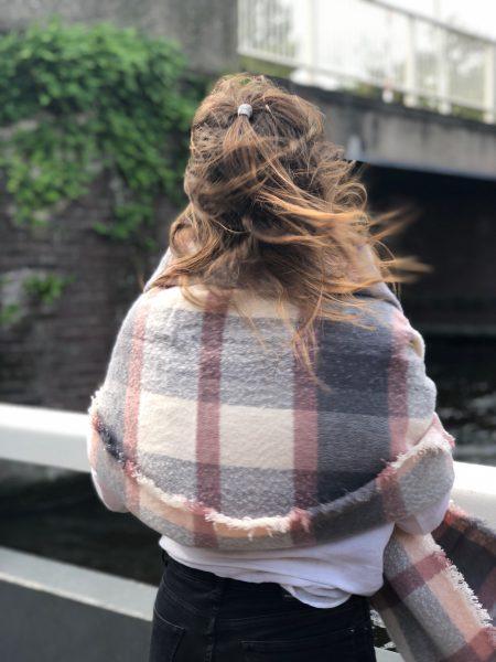 Sjaalskopen.nl-geruite-omslagdoek-roze-kopen-grote-geruite-roze-sjaal