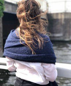 Sjaalskopen.nl-grove-omslagdoek-blauw-kopen-grote-grove-blauwe-sjaal