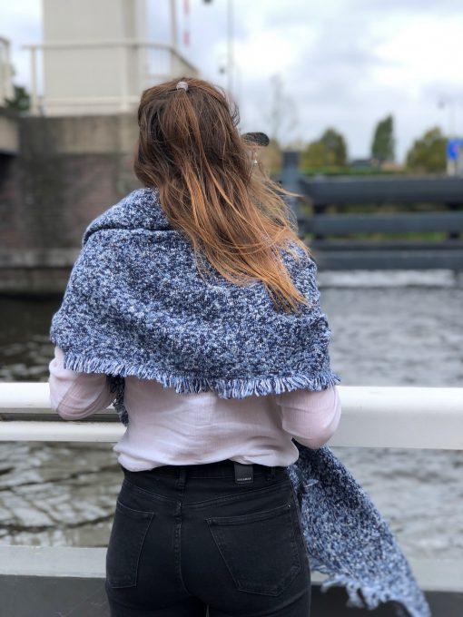 Sjaalskopen.nl-omslagdoek-blauw-gemeleerd-kopen-grote-blauwe-gemeleerde-sjaal
