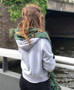 Sjaalskopen.nl-omslagdoek-groen-sterretjes-kopen-grote-sterretjes-sjaal