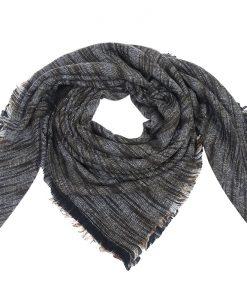 gemeleerde-omslagdoek-bruin-grijs-goedkope-grote-omslagdoek-kopen-bij-sjaalskopen-gemaakt-van-acryl-omgeslagen-dragend