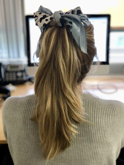 lichtblauwe-silk-mini-sjaal-voor-in-haar-of-om-nek