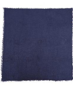omslagdoek-blauw-kopen-op-sjaalskopen-uitgestrekt