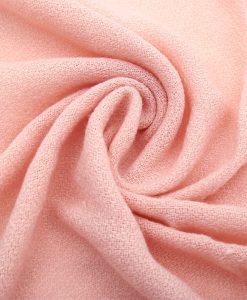 omslagdoek-roze-kopen-op-sjaalskopen-twist