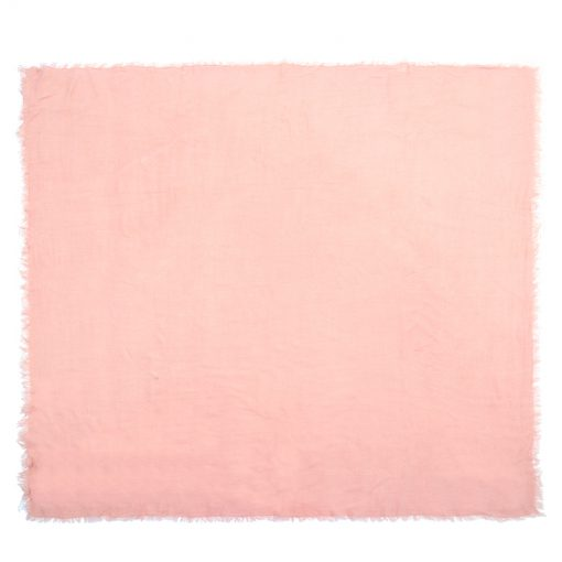 omslagdoek-roze-kopen-op-sjaalskopen-uitgestrekt