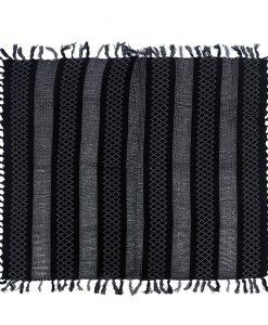 print-omslagdoek-zwart-gemaakt-van-acryl-kopen-bij-sjaalskopen-grote-goedkope-omslagdoek-liggend